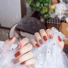 黑色红色酒红色焦糖色晕染金箔新娘日式美甲图片