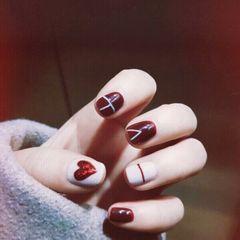 酒红色方圆形日式新娘跳色线条钻美甲图片