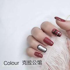 方圆形手绘韩式粉色银色格纹美甲图片