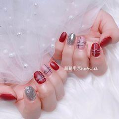 圆形红色粉色银色线条磨砂美甲图片