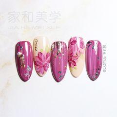 红色尖形日式手绘渐变钻紫色珍珠花朵美甲图片