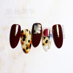 焦糖色酒红色棕色尖形豹纹日式手绘镶嵌宝石美甲图片
