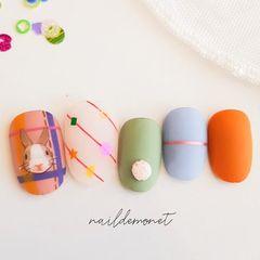圆形磨砂手绘兔子橙色绿色蓝色美甲图片
