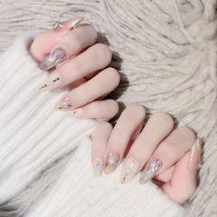 圆形简约日式猫眼新娘水波纹镜面裸色珍珠美甲图片