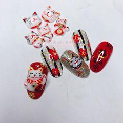 红色黑色圆形日式手绘新娘招财猫新年雕花美甲图片
