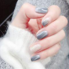 灰色方圆形简约渐变金箔猫眼秋冬款美甲图片