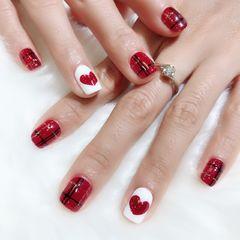方圆形红色白色线条手绘心形美甲图片