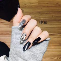 尖形韩式银色黑色钻猫眼美甲图片