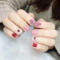 焦糖色红色圆形磨砂手绘格纹上班族花朵美甲图片