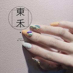 焦糖色灰色绿色圆形磨砂日式简约手绘🤩喜欢了很久的款式。终于有机会做了(😂希望下次可以做我的手上)美甲图片
