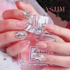 方圆形新娘钻法式珍珠网红同款美甲图片