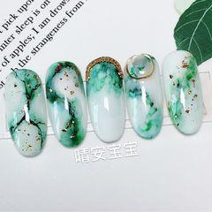 绿色圆形晕染贝壳片日式石纹翡翠晕染美甲图片