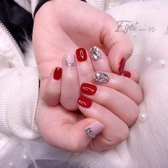 红色方圆形新娘钻粉色美甲图片