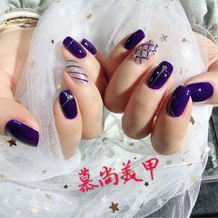 方圆形手绘简约钻紫色斜纹美甲图片