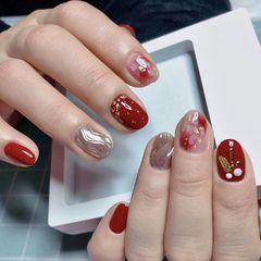 圆形红色银色水波纹贝壳片金箔新年美甲图片