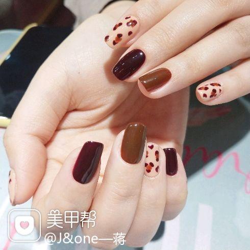 焦糖色棕色酒红色豹纹日式手绘美甲图片