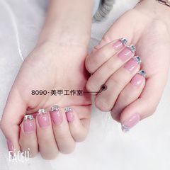 方圆形粉色钻法式美甲图片