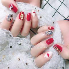 酒红色方圆形手绘钻心形新年美甲图片