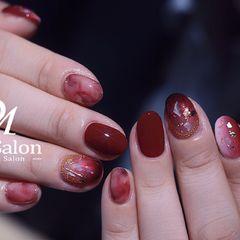 日式圆形红色晕染贝壳片金箔新年复古胭脂干玫瑰玫瑰晕染升级版美甲图片