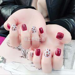 方圆形简约手绘红色灰色豹纹短指甲美甲图片