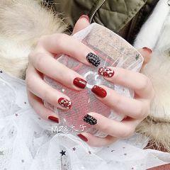 酒红色钻贝壳片方圆形黑色金箔新年美甲图片