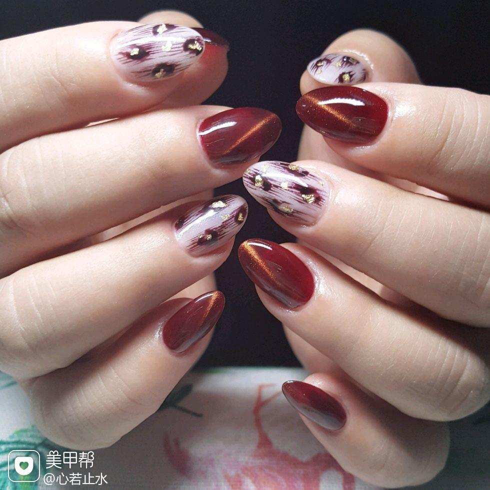 酒红色圆形豹纹金箔猫眼上班族美甲图片