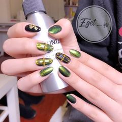 绿色尖形金箔日式美甲图片