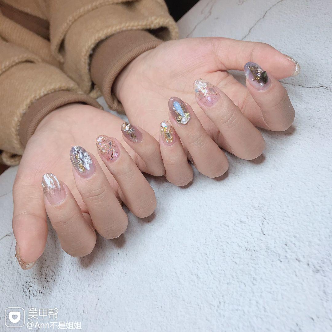 圆形银色钻亮片日式美甲图片
