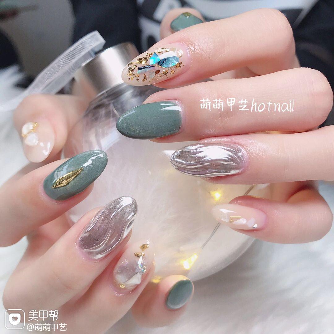 绿色圆形猫眼日式银色水波纹贝壳片金箔美甲图片