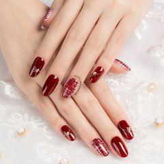 红色格纹圆形美甲图片