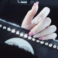 圆形粉色银色星月美甲图片