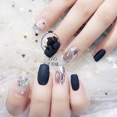 方圆形黑色银色水波纹磨砂美甲图片