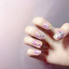 方圆形紫色晕染贝壳片金箔春天美甲图片