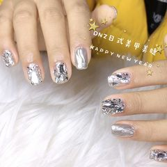 方圆形银色钻水波纹镜面美甲图片