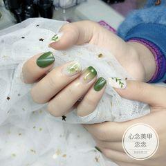 绿色方圆形手绘贝壳片晕染美甲图片