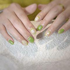 绿色圆形金箔晕染贝壳片钻美甲图片