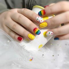 方圆形黄色彩虹波点美甲图片