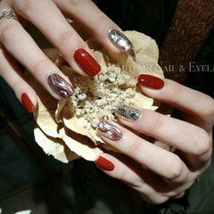 红色日式水波纹金箔方形新娘美甲图片