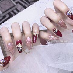 酒红色尖形日式手绘钻金属饰品水波纹美甲图片
