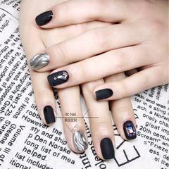 方圆形黑色银色镜面水波纹磨砂钻美甲图片