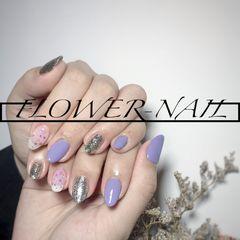 圆形简约贝壳片紫色银色美甲图片
