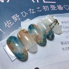 蓝色金箔日式圆形晕染金属饰品美甲图片
