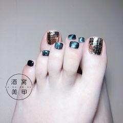 蓝色黑色简约日式脚部猫眼亮片脚部款式美甲图片