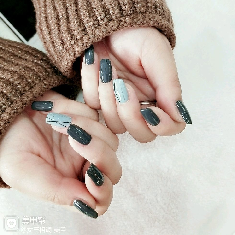 灰色方形手绘线条简约美甲图片
