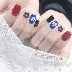 蓝色红色灰色方圆形手绘花朵跳色美甲图片