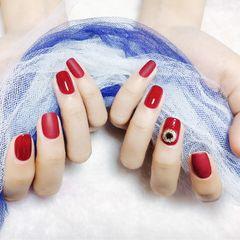 红色方圆形钻磨砂美甲图片
