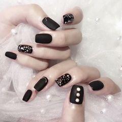 黑色方形磨砂钻简约亮片美甲图片