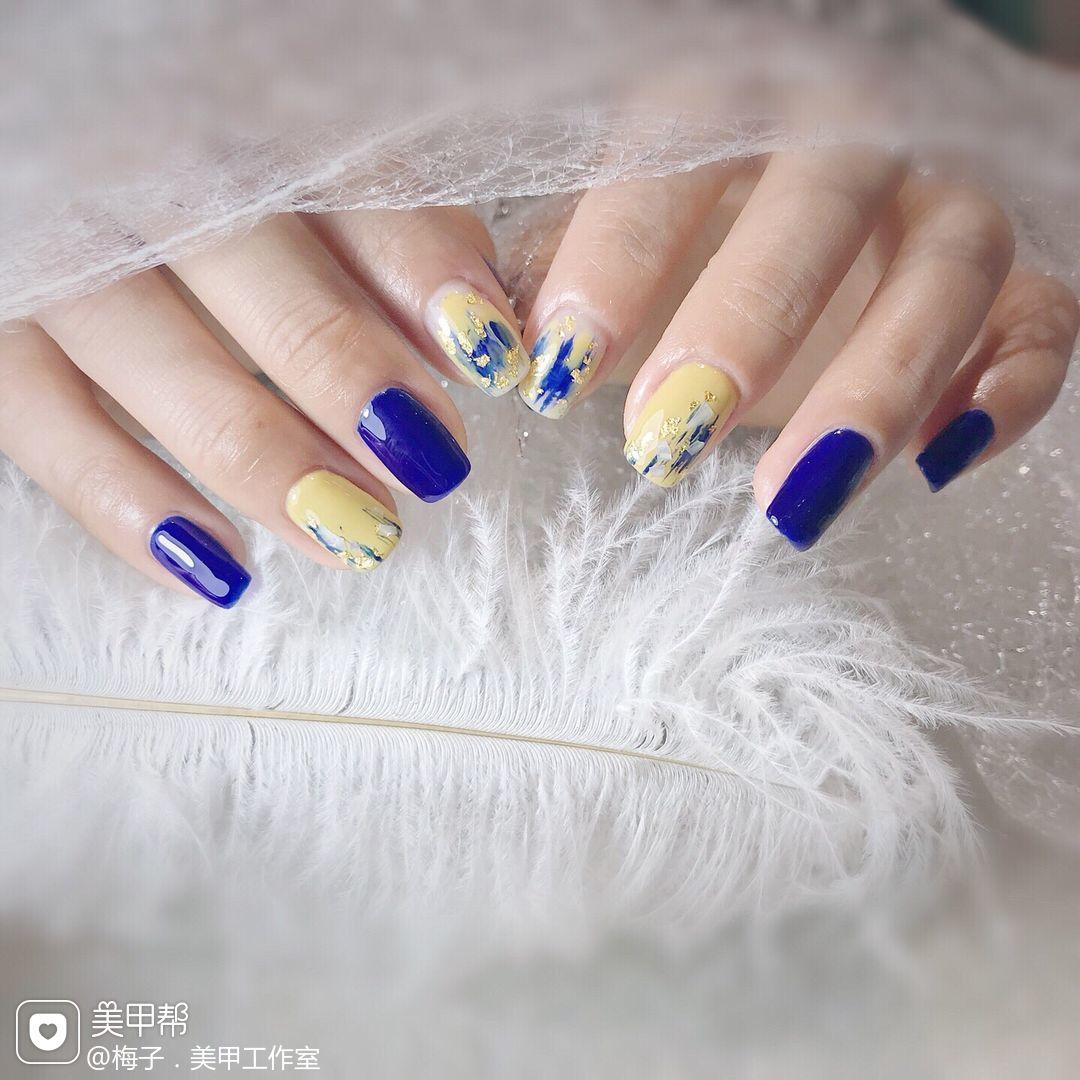 蓝色方圆形金箔晕染贝壳片黄色美甲图片