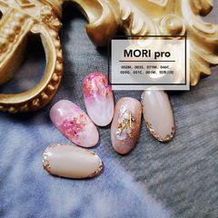 日式圆形裸色粉色贝壳片金箔美甲图片