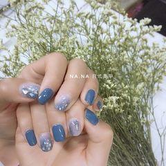蓝色方圆形日式晕染贝壳片渐变春天美甲图片